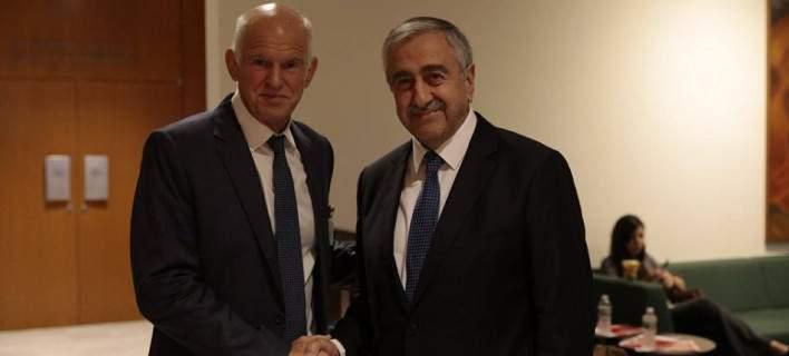 Εξαλλοι στην Κύπρο με τον Γ. Παπανδρέου: «Με τις πράξεις του ενισχύει τις τουρκικές επιδιώξεις»