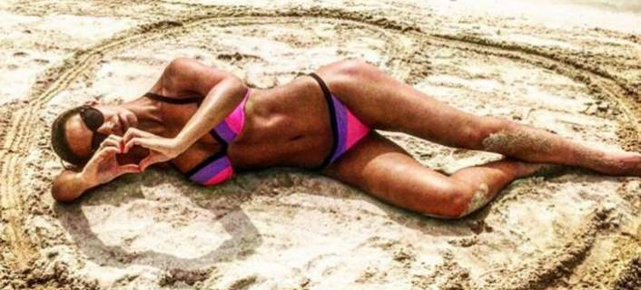 Γυναίκα ποδοσφαιριστή βρήκε το τέλειο κίνητρο για να γυμνάζεται σκληρά [βίντεο]