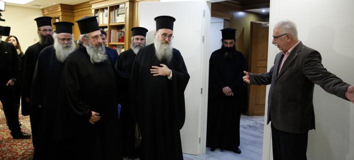 Συνάντηση Γαβρόγλου με ιεράρχες Κρήτης -Φωτογραφία: EUROKINISSI / ΣΤΕΛΙΟΣ ΜΙΣΙΝΑΣ