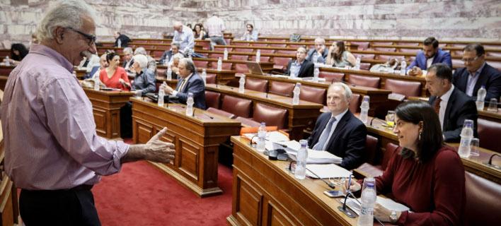 Ο υπουργός Παιδείας, Κώστας Γαβρόγλου στην Επιτροπή Μορφωτικών Υποθέσεων της Βουλής/Φωτογραφία: Eurokinissi