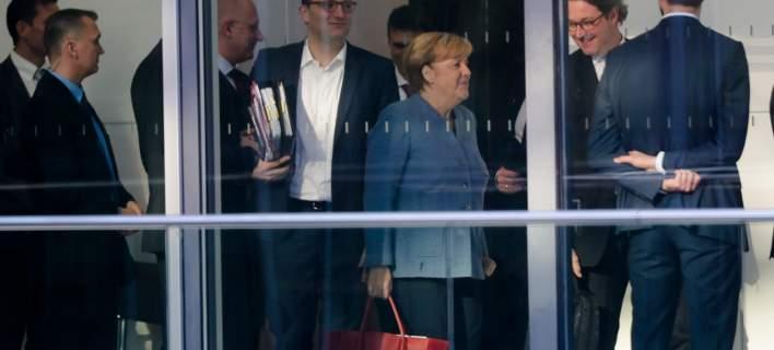 Γερμανία: Οι Φιλελεύθεροι αποχωρούν από τις συνομιλίες για τον σχηματισμό κυβέρνησης, διακόπτονται οι διερευνητικές για τη «Τζαμάικα»