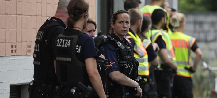 Πάνω από 700 επιθέσεις εναντίον μεταναστών στη Γερμανία (Φωτογραφία αρχείου: AP/ Markus Schreiber)