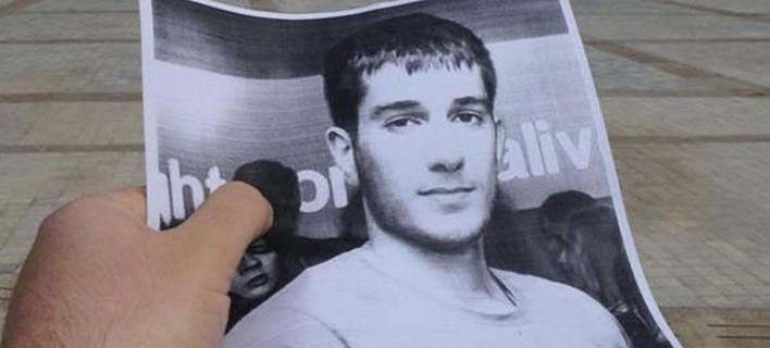 Απίστευτο: Βρίζουν τον νεκρό Βαγγέλη Γιακουμάκη στο διαδίκτυο [εικόνες]