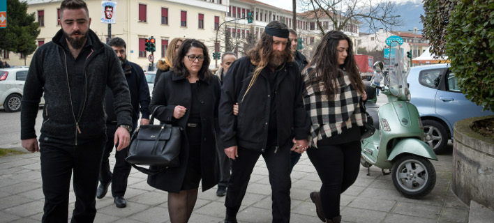 Η οικογένεια του Βαγγέλη Γιακουμάκη (Φωτο: Eurokinissi)