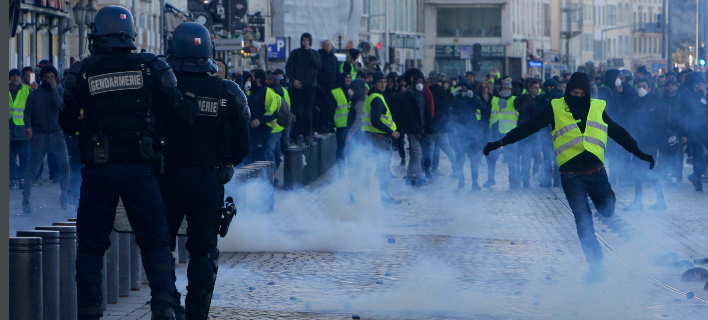 Στιγμιότυπο από επεισόδια στο Παρίσι / Φωτογραφία: AP Images