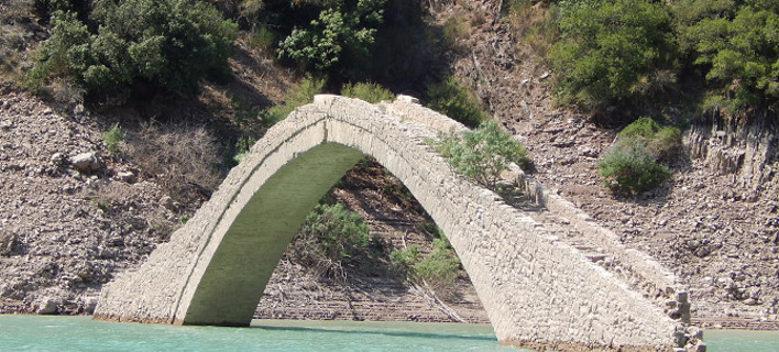 Το γιοφύρι του Μανώλη- Φωρογραφία:  info-karpenisi.gr