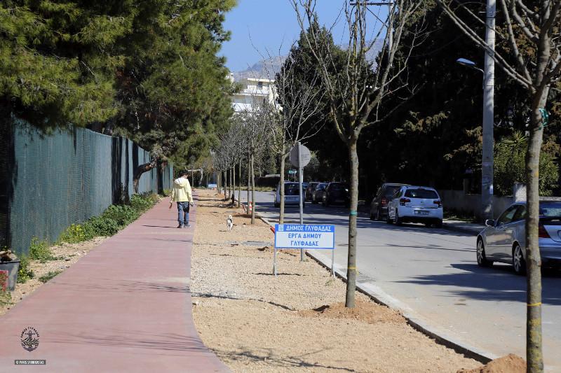 Πηγή  Η Γλυφάδα γίνεται μία «πράσινη» πόλη -Μεγάλα δέντρα και φυτά σε Γκολφ a1ee685bd0a