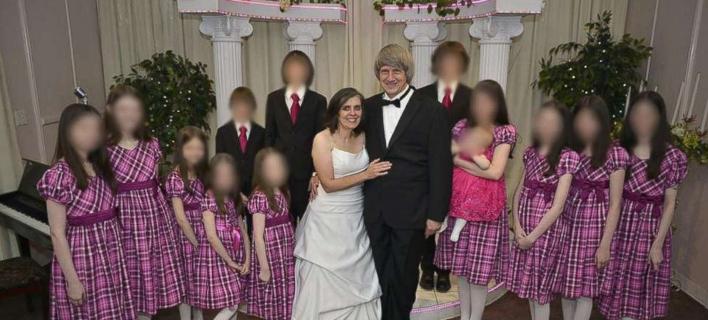 Φωτογραφίες: Facebook/ Συγκλονίζει συμμαθητής του ενός από τα 13 παιδιά στο σπίτι του τρόμου- «Φορούσε 6 μήνες τα ίδια ρούχα» [εικόνες]