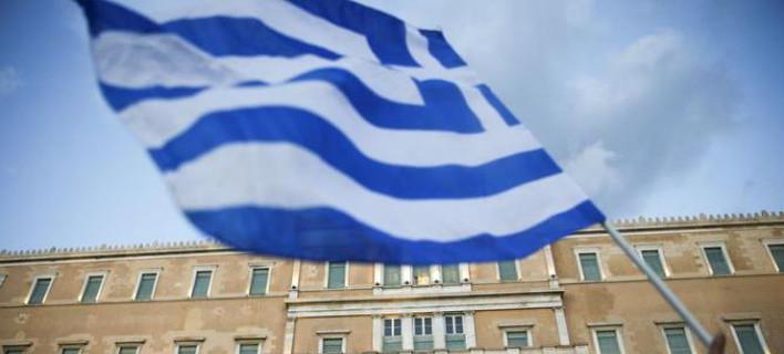 Bloomberg: Εξετάζεται ανακούφιση του ελληνικού χρέους