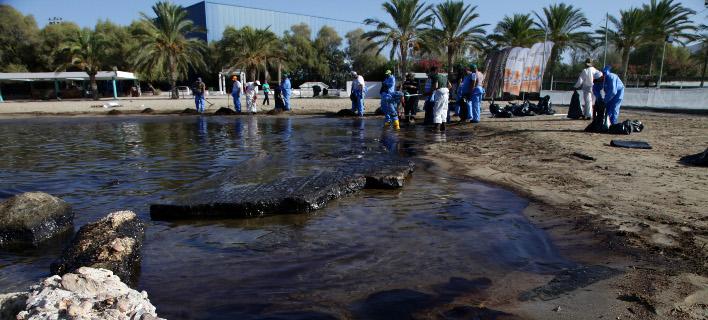 Εργασίες απορρύπανσης στον Αλιμο/Φωτογραφία: SOOC