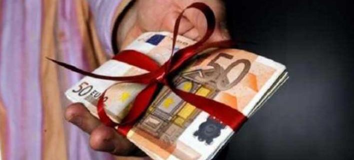 Πώς θα πληρωθούν όσοι δουλέψουν Χριστούγεννα και Πρωτοχρονιά