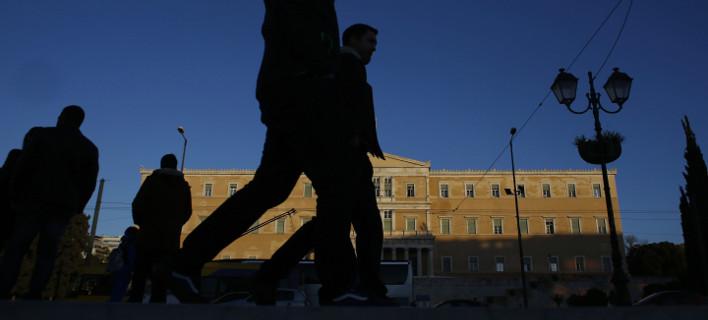 Guardian: Οι αγορές φοβούνται άμεση χρεοκοπία της Ελλάδας -Κίνδυνος χάους και αναταραχής