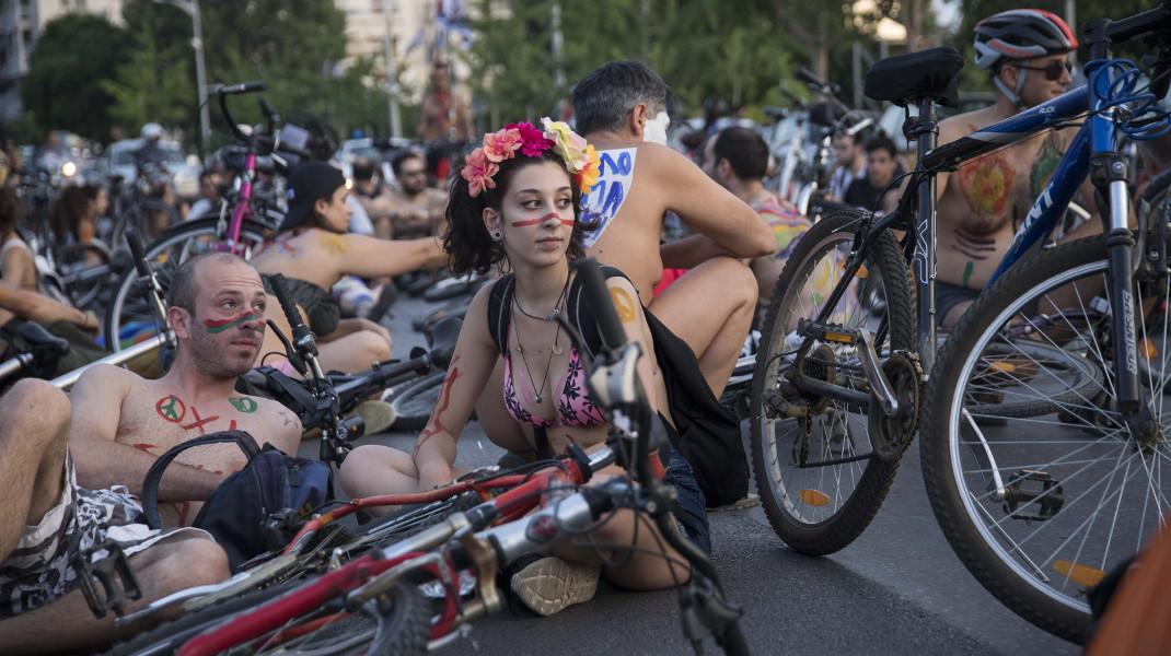 Η 11η διεθνής γυμνή ποδηλατοδρομία έγινε στη Θεσσαλονίκη -Φωτογραφία: ΜΟΤΙΟΝΤΕΑΜ/ΒΕΡΒΕΡΙΔΗΣ ΒΑΣΙΛΗΣ