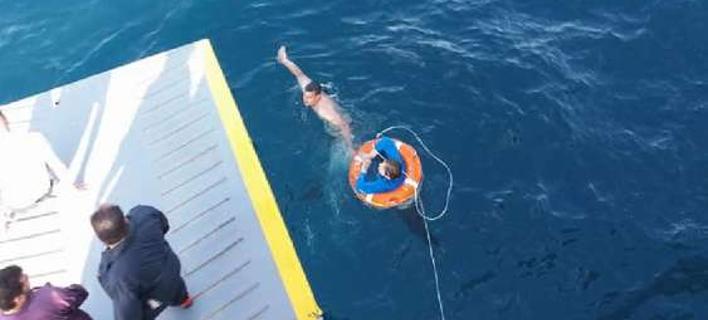 Λύθηκε το μυστήριο: Από το πλοίο «Φοίβος» είχε πέσει η γυναίκα που βρέθηκε ανοιχτά του Πειραιά