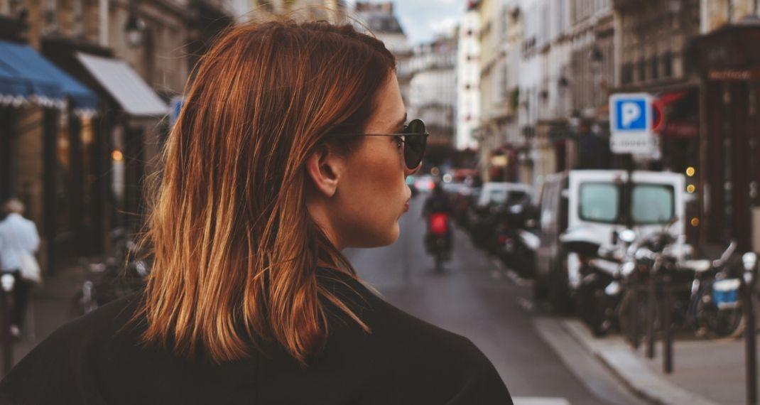 Γυναίκα με καρέ μαλλί/Photo by Buco Balkanessi on Unsplash