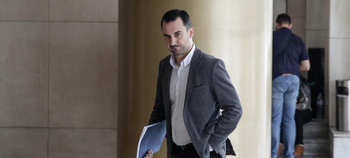 Ο αναπληρωτής υπουργός Οικονομίας και Ανάπτυξης, Αλέξης Χαρίτσης μετά τη συνάντηση με τους εκπροσώπους των θεσμών/Φωτογραφία: Eurokinissi