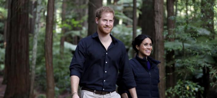 Ο πρίγκιπας Χάρι και η Μέγκαν Μαρκλ στη Νέα Ζηλανδία /Φωτογραφία: AP/Kirsty Wigglesworth