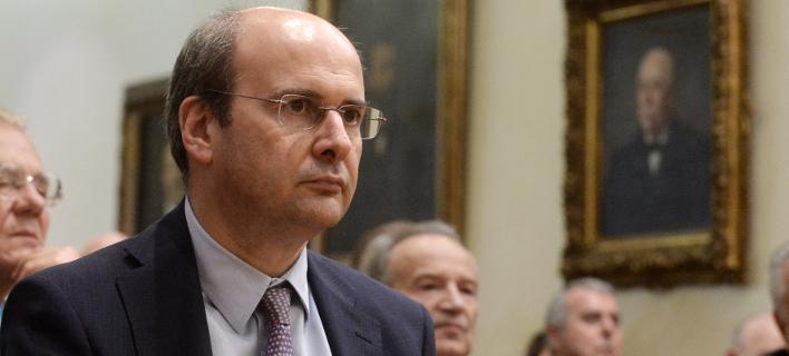 Χατζηδάκης: Οι πολιτικές εξελίξεις μπορεί να γίνουν απρόβλεπτες όσο η οικονομία σέρνεται