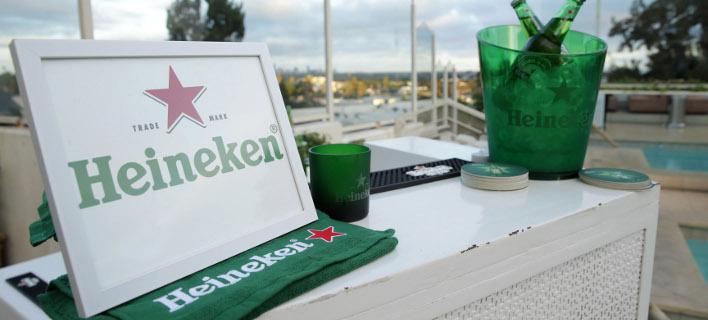 H Ουγγαρία απειλεί να απαγορέψει το κόκκινο αστέρι της Heineken ως «κομμουνιστικό»