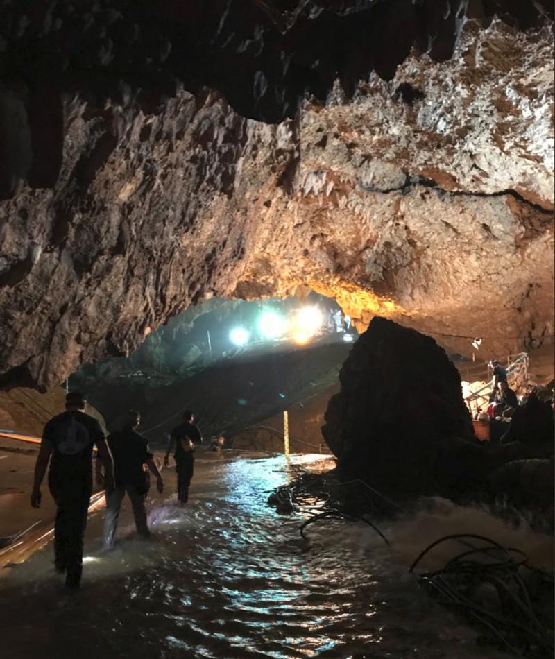 Ερευνες στο σπήλαιο