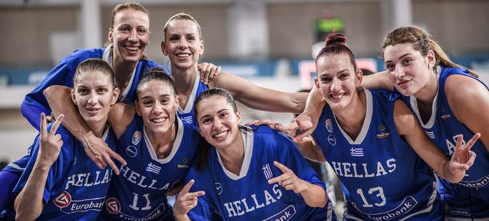 Πανηγύρια για τα κορίτσια της Εθνικής ομάδας /Φωτογραφία: EOK