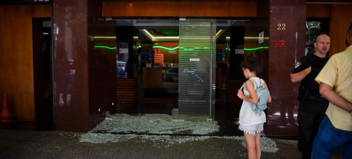 Επίθεση στην Ελληνοαμερικανική Ενωση (Φωτογραφία: Eurokinissi/ΜΠΟΛΑΡΗ ΤΑΤΙΑΝΑ)