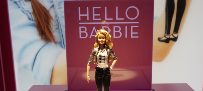 Κωδικό όνομα: Hello Barbie - Θα παρακολουθεί τα παιδιά μέσω... Wi Fi [εικόνες]