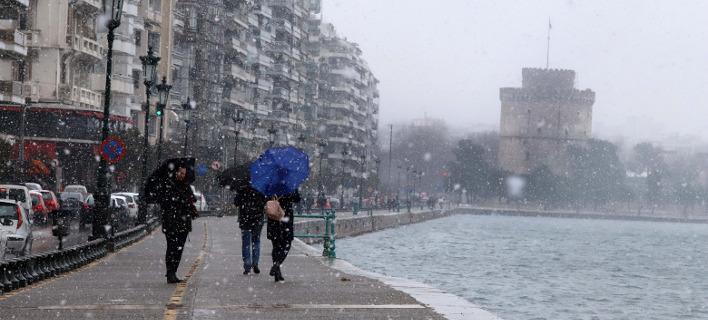 Χιονόπτωση στο κέντρο της Θεσσαλονίκης -Φωτογραφία: Eurokinissi