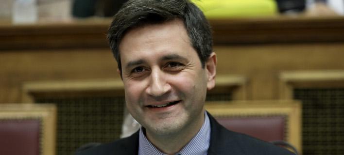 Ο αναπληρωτής υπουργός Οικονομικών Γιώργος Χουλιαράκης- φωτογραφία intimenews