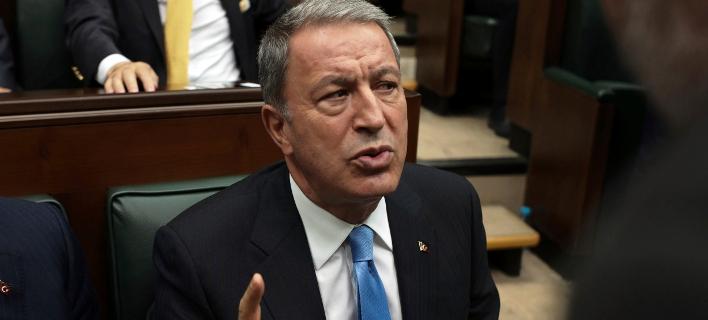 Ο Toύρκος υπουργός Άμυνας, Χουλουσί Ακάρ (Φωτογραφία: ΑΡ/Burhan Ozbilici)
