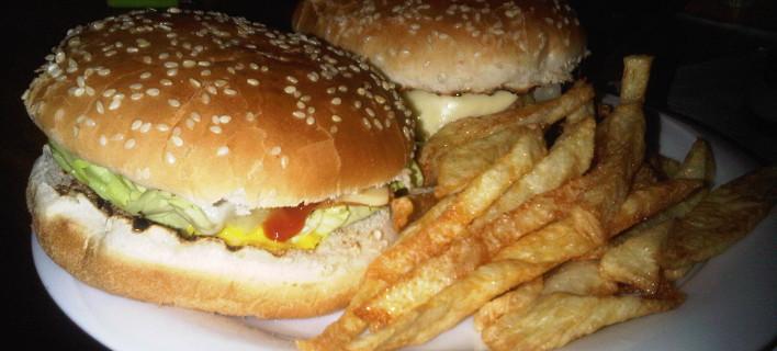 Ερχεται ο φόρος λίπους: Από ποια τρόφιμα σχεδιάζει η κυβέρνηση να πάρει λεφτά