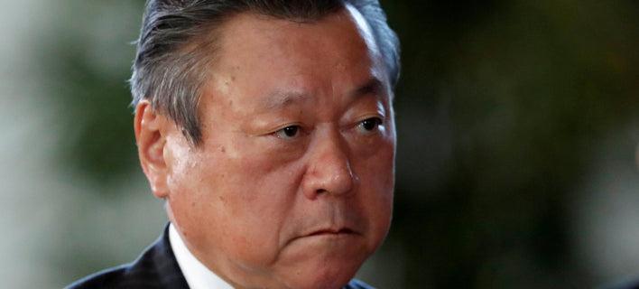 Ιάπωνας υπουργός δεν χρησιμοποιεί Η/Υ/Φωτογραφία: theguardian.com