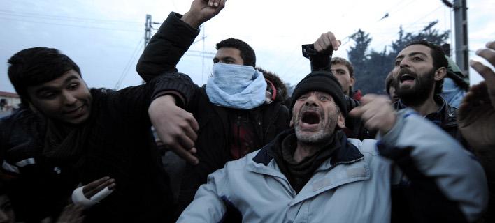 Ενταση στην Ειδομένη-Ξέσπασαν οι πρόσφυγες μετά την απόφαση της Συνόδου [εικόνες]