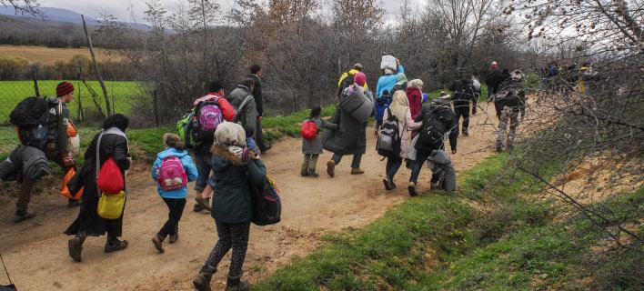 Πρόσφυγες επιστρέφουν στην Ειδομένη -Εξαιτίας φήμης ότι ανοίγουν τα σύνορα