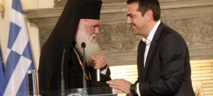 Ο Αλέξης Τσίπρας με τον αρχιεπίσκοπο Ιερώνυμο/ Φωτογραφία: EUROKINISSI- ΧΡΗΣΤΟΣ ΜΠΟΝΗΣ