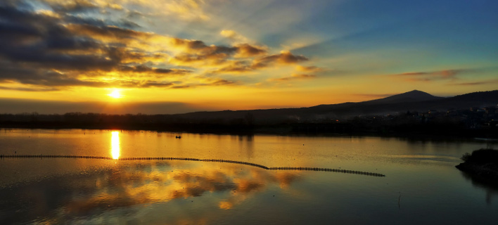 Ανατολή ήλιου στη λίμνη Κερκίνη (Φωτογραφία: ΜΟΤΙΟΝΤΕΑΜ/ΒΑΣΙΛΗΣ ΒΕΡΒΕΡΙΔΗΣ)