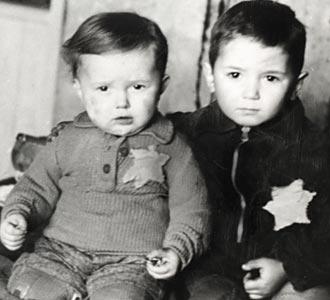 Ολοκαύτωμα: Οι θηριωδίες των Ναζί αφανίζουν εκατομμύρια Εβραίους [εικόνες] | iefimerida.gr 2