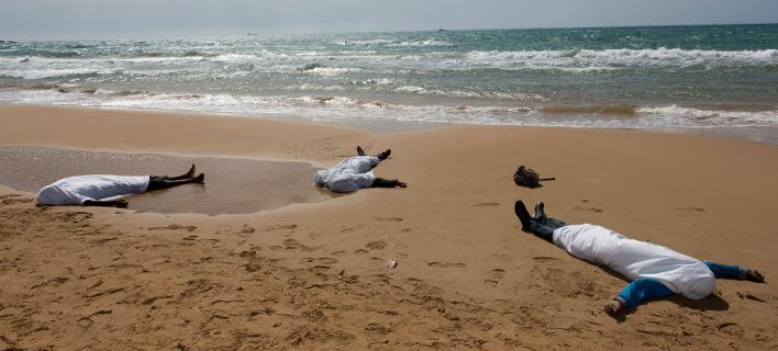 Νέα τραγωδία: Τουλάχιστον 700 μετανάστες νεκροί από ναυάγιο στις λιβυκές ακτές [βίντεο]