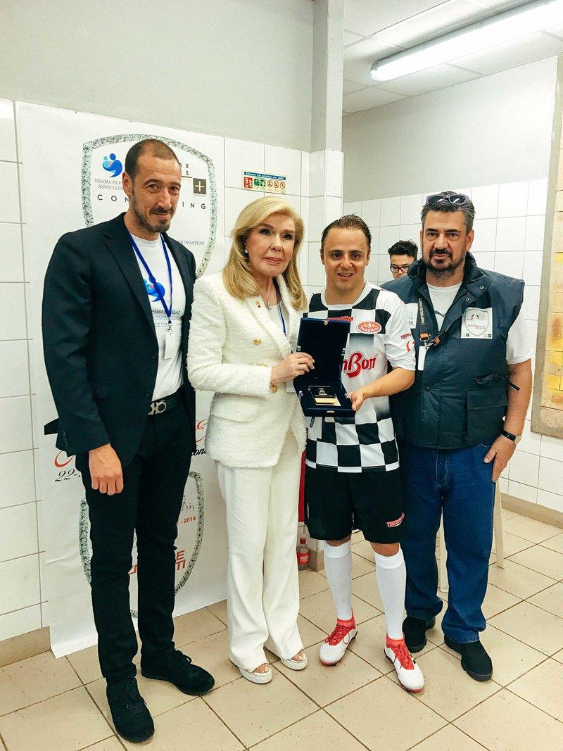 Η κυρία Μαριάννα Β. Βαρδινογιάννη με τον Felipe Massa και τους κυρίους Παπασάββα και Μαστοράκη