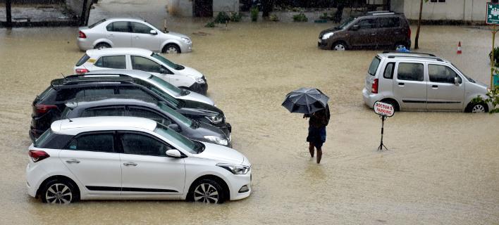 Πλημμύρες στην Ινδία/ Φωτογραφία AP images