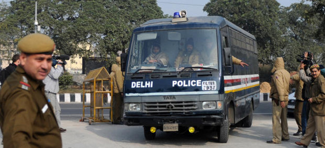Βαρύ το κατηγορητήριο για τους βιαστές-δολοφόνους της 23χρονης Ινδής φοιτήτριας
