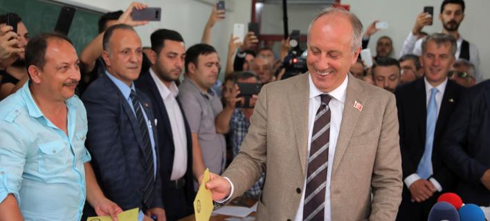 Ο Μουζαρέμ Ιντζέ, επικεφαλής του Ρεπουμπλικανικού Κόμματος της Τουρκίας (CHP) και βασικός αντίπαλος του Ταγίπ Ερντογάν/ Φωτογραφία: ΑΡ