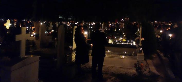Περιφορά επιταφίου σε νεκροταφείο στα Ιωάννινα (Φωτογραφία: epirus-tv)
