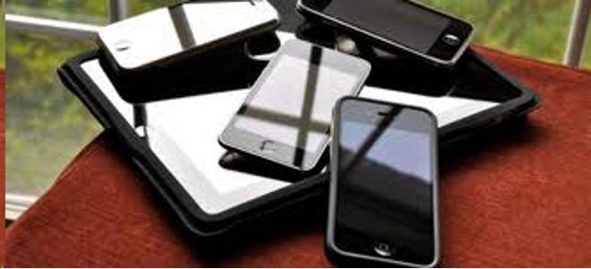 apple, iPhone, Steve Jobs, Tim Cook, πωλήσεις, μετοχές, χρηματιστήριο