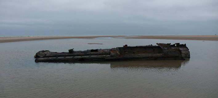Εκπληκτικό: Ναυάγιο υποβρυχίου από τον Α' ΠΠ αναδύεται σε παραλία της Γαλλίας [βίντεο]