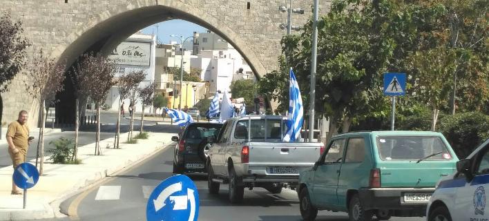 Αυτοκινητοπομπή στο Ηράκλειο έκαναν οπαδοί του Σώρρα (Φωτογραφία: cretapost)