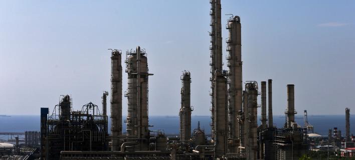 Πετροχημικό εργοστάσιο στις ακτές του Ιράν στον Περσικό Κόλπο (Φωτογραφία: ΑΡ)