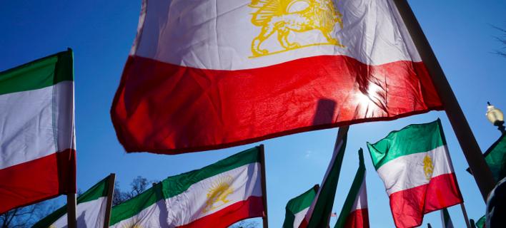 Ιρανικές σημαίες/Φωτογραφία: ΑΡ