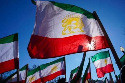 Τεχεράνη: Θα συζητήσουμε για τους πυραύλους μας αν ΗΠΑ και Ευρώπη καταστρέψουν τα πυρηνικά τους
