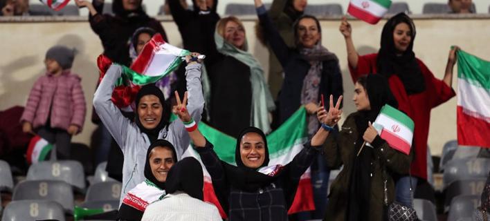 Οι γυναίκες από το Ιράν πανηγυρίζουν / Φωτογραφία: ΑΠΕ